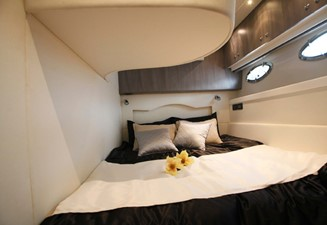 ACURY MY 14 12 ACURY Express cruiser 14m interior
