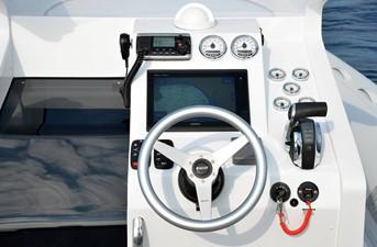 Pirelli PZERO 880 Luxury Edition 4 Pirelli PZERO 880 Luxury Edition 2020 PIRELLI PZERO 880 Luxury Edition Boats Yacht MLS #227925 4