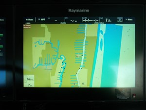 Center Raymarine Screen