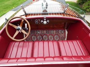 Forward cockpit, all original gauges