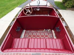 Mid-cockpit expanse