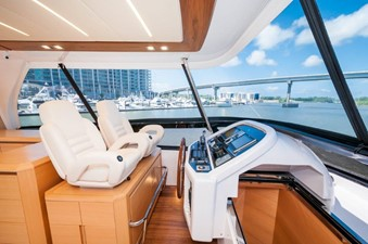 Flybridge Helm Seating