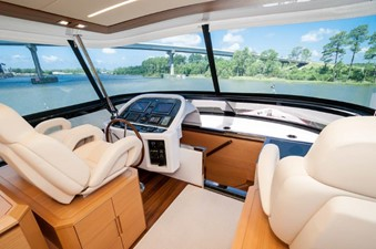 Flybridge Helm 3