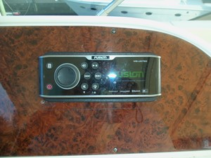 Helm Stereo