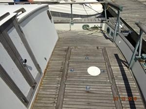 36' Grand Banks aftdeck starboard