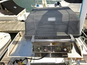 36' Grand Banks flybridge BBQ grill