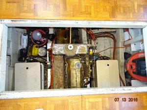 36' Grand Banks engine room access