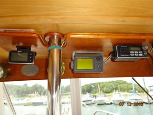 36' Grand Banks lower helm electronics