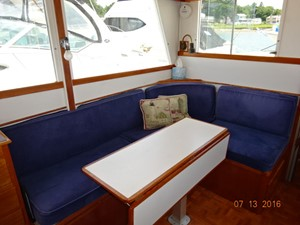 36' Grand Banks salon starboard aft seating