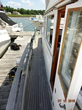 36' Grand Banks starboard side deck photo1