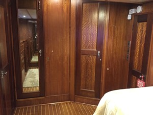MASTER STATEROOM VIEW HEAD
