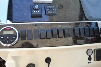 PARADOCS 16 Helm Dash and Panel Switches