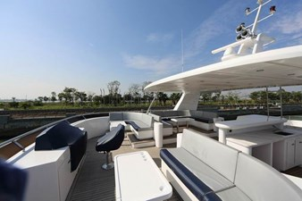 Samsara Flybridge Sun Deck (covered- no deco)
