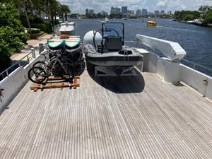 SAMSARA  38 Tender and bikes on top deck