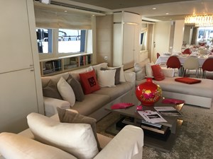 Main Lounge - Sofa area