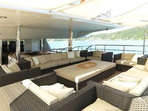 THE WELLESLEY 5 6 Aft deck lounge.jpg
