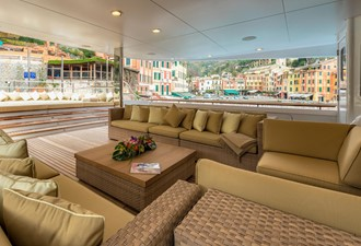 THE WELLESLEY 34 36 upper deck lounge.jpg
