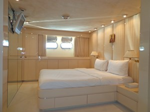 AKHIR 31 5 AKHIR 31 1984 CANTIERI DI PISA  Motor Yacht Yacht MLS #237881 5