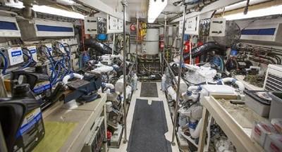 SEA OWL 15 Engine Room