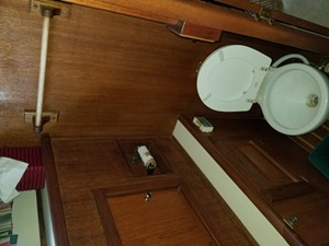 20 Master Stateroom Electric Head