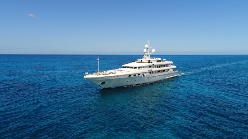 3 Apogee 63m codecasa charter superyacht