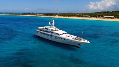 1 Apogee 63m codecasa charter superyacht