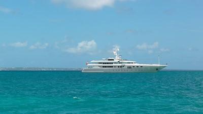 4 Apogee 63m codecasa charter superyacht
