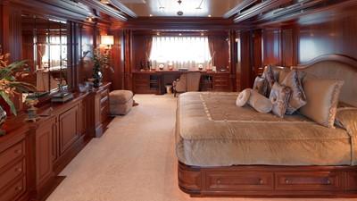 19 Master suite
