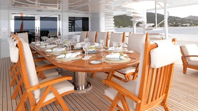 35 Upper deck dining