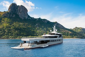 SeaXplorer 60 4 Damen Yachting SeaXplorer 60 tropics aft