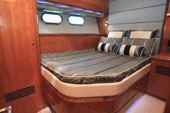 JOHNSON 83' FLYBRIDGE w/FISHING COCKPIT 5 Mid Cabin