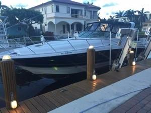 No Name 1 No Name 2007 LARSON Cabrio Cruising Yacht Yacht MLS #243228 1