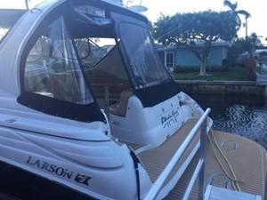 No Name 2 No Name 2007 LARSON Cabrio Cruising Yacht Yacht MLS #243228 2