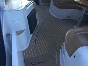 No Name 4 No Name 2007 LARSON Cabrio Cruising Yacht Yacht MLS #243228 4