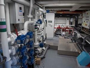 Ocean King 130 10 Engine Room