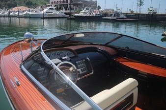 T/T Sha Sha Sha 6 T/T Sha Sha Sha 2015 RIVA 33 Aquariva Super Cruising Yacht Yacht MLS #244701 6