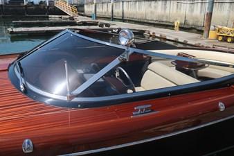 T/T Sha Sha Sha 3 T/T Sha Sha Sha 2015 RIVA 33 Aquariva Super Cruising Yacht Yacht MLS #244701 3
