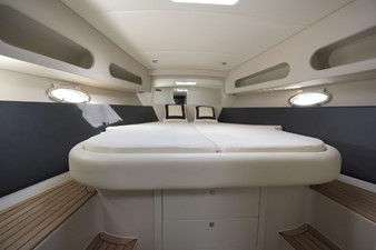 2010 Performance 1407 48' SYS YACHT SALES               Stateroom