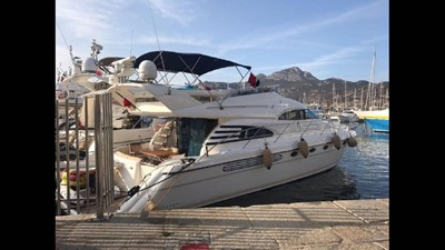 2004 Fairline Squadron 55  SYS YACHT SALES            At The Dock