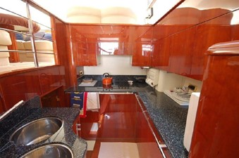 2004 Fairline Squadron 55  SYS YACHT SALES                  Kitchen