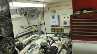 1989 63' Viking motor yacht Engine Room