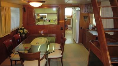 1989 63' Viking motor yacht Dining Room