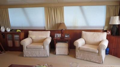 1989 63' Viking motor yacht Salon