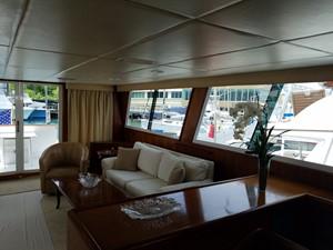 1989 63' Viking motor yacht Main Salon