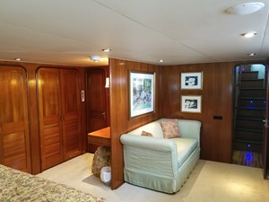 1989 63' Viking motor yacht Master Stateroom