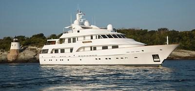 000_CRACKER BAY_Nesbitt-IMG_0632-Yacht_running_HERO Image