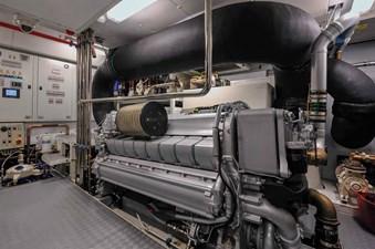 Bertona 30 Bertona-Canados-116-Motor-Yacht-Engine-Room-2