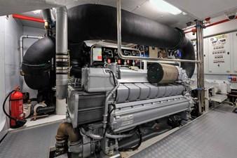 Bertona 29 Bertona-Canados-116-Motor-Yacht-Engine-Room