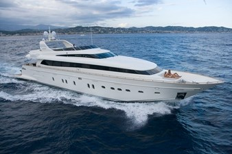 Bertona 1 Canados-116-Motor-Yacht