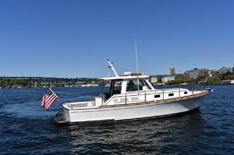Fish 1 Fish 2000 GRAND BANKS Eastbay HX Motor Yacht Yacht MLS #246620 1